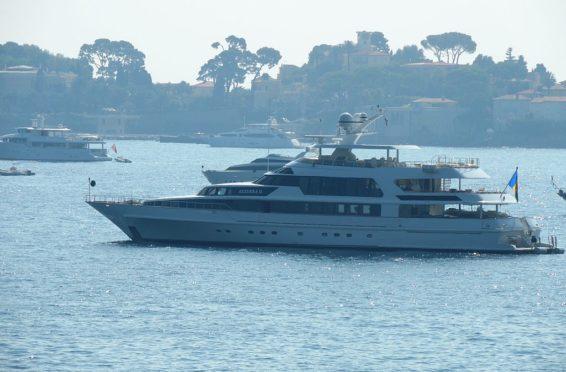 location-yacht-cote-azur