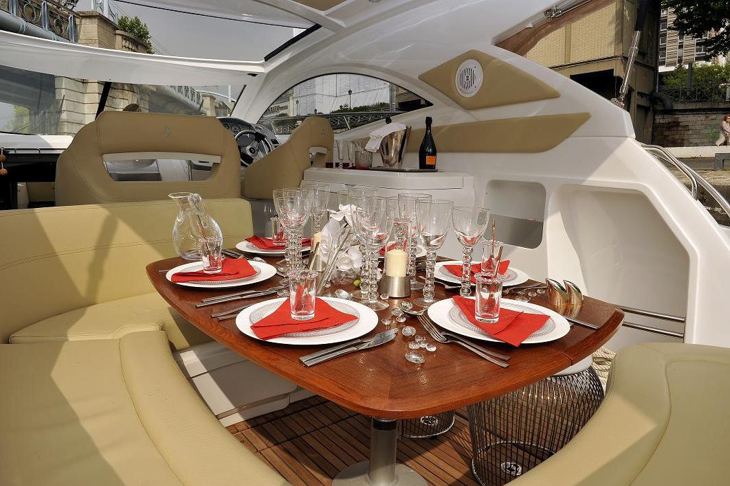 jmaes-yacht